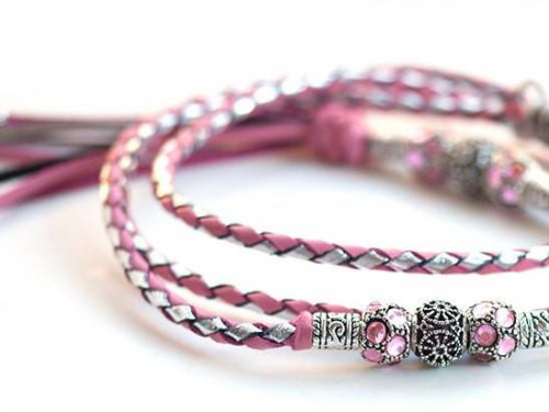 Kangaroo leather show lead in soft pink & silver 1