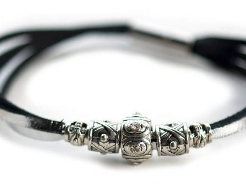 Kangaroo leather bracelet in silver