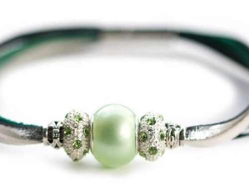 Kangaroo leather bracelet in green & silver