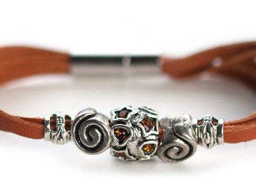 Kangaroo leather bracelet in brown