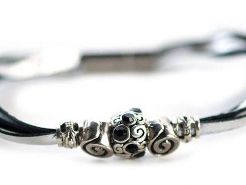 Kangaroo leather bracelet in silver