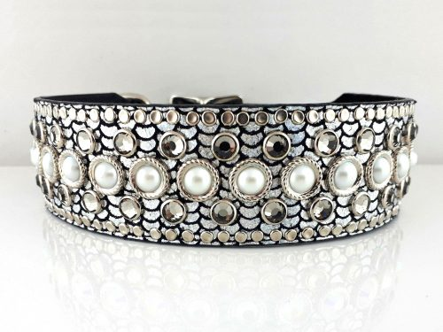 Dog collar Princess Pearl in shiny Italian leather with pearls & black diamond Swarovski crystals