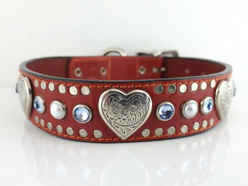 Dog collar Heart, Pearl & Crystal in red Italian leather with sapphire Swarovski crystals and white pearls