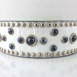Dog Collar Mideval Pearl in white Italian crocko leather with black pearls