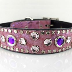 Dog collar Mideval in Italian leather and pearl pink suede with amethyst and light amethyst Swarovski crystals