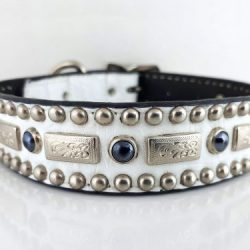 Dog collar Square Pearl in white Italian crocko leather with black pearls