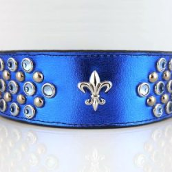 Dog collar Fleur-de-Lys in royal blue metallic Italian leather with fleur de lis ornament and light sapphire Swarovski crystals