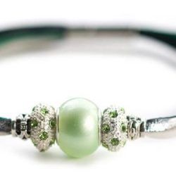Kangaroo leather bracelet in green & silver